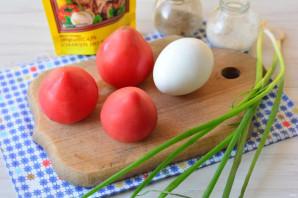 Помидоры фаршированные яйцами - фото шаг 1