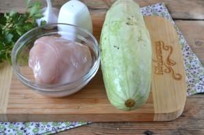 Кабачки с курицей в духовке   - фото шаг 1