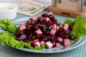Салат из свеклы и адыгейского сыра - фото шаг 6