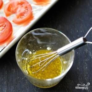Открытый бутерброд с запеченными помидорами, сыром и бальзамическим уксусом - фото шаг 2