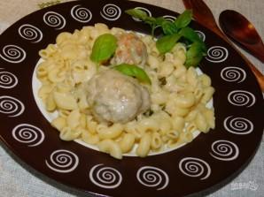 Тефтели в белом соусе с чесноком и базиликом - фото шаг 6
