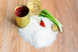 Рис с томатной пастой - фото шаг 1