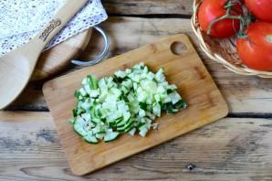 Помидоры, фаршированные сыром и огурцами - фото шаг 2