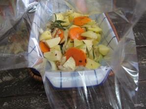 Курица в духовке с картошкой в пакете для запекания  - фото шаг 4