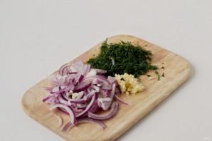 Маринованные грибы с луком - фото шаг 3