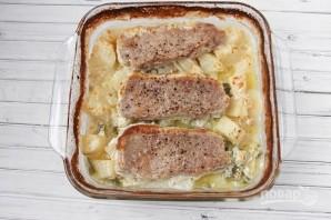 Картошка со свининой в духовке - фото шаг 4