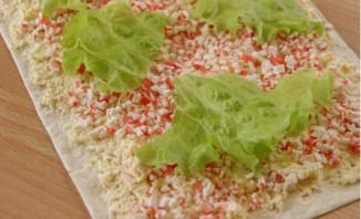 Салат в лаваше с крабовыми палочками и кукурузой - фото шаг 3
