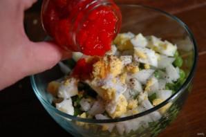 Салат из горошка и яиц - фото шаг 5