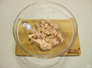 Салат из крабовых палочек и печени трески - фото шаг 2