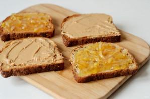 Сэндвич с арахисовым маслом и джемом - фото шаг 4