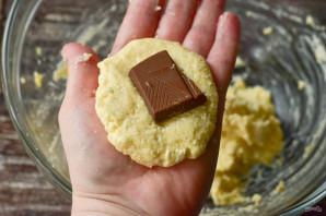 Сырники из творога с шоколадом - фото шаг 6