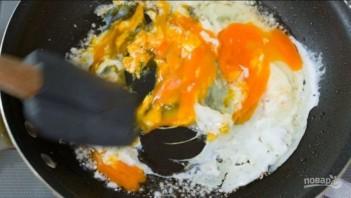 Рисовая лапша с курицей и яйцом - фото шаг 4