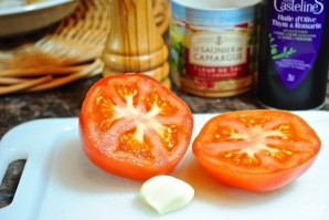 Тосты с помидорами - фото шаг 1