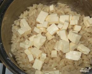 Макароны с плавленым сыром - фото шаг 3