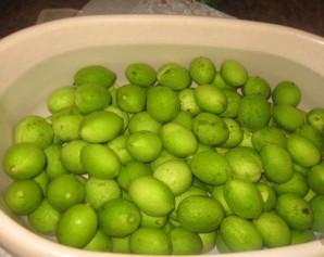 Варенье из зеленых грецких орехов - фото шаг 2