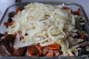 Говядина с черносливом в духовке - фото шаг 5