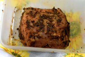 Свинина, запеченная в мультиварке, с легким овощным гарниром - фото шаг 1
