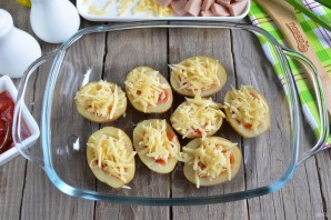 Пицца в картофельных лодочках - фото шаг 6