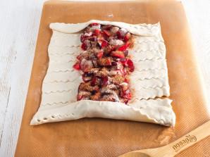 Пирог со сливами из слоеного теста - фото шаг 7