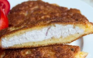 Куриные отбивные с начинкой, жаренные в кляре - фото шаг 4