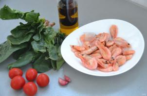 Салат со шпинатом и креветками - фото шаг 1