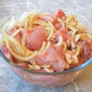 Шашлык из свинины в уксусе - фото шаг 6