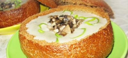 Суп пюре из шампиньонов в хлебе - фото шаг 6
