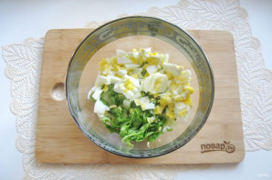 Зеленый салат с крабовыми палочками - фото шаг 6