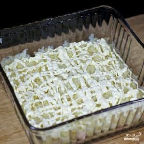 Салат слоеный с креветками - фото шаг 4
