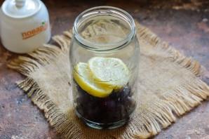 Компот из черешни с лимоном на зиму - фото шаг 3