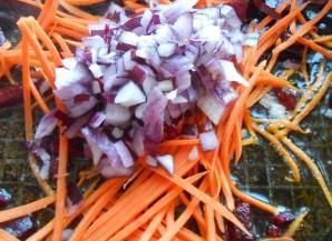 Красный борщ с фасолью - фото шаг 8