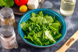 Салат с помидорами и сыром - фото шаг 2