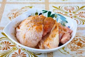 Куриные бедра в духовке с хрустящей корочкой - фото шаг 2