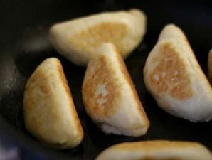 Пирожки с фаршем на сковороде - фото шаг 5