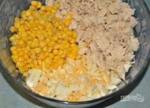 Салат с вешенками, курицей и кукурузой - фото шаг 3