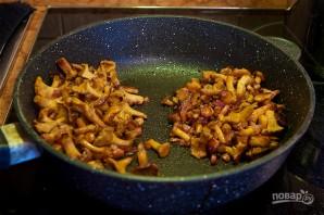 Суп-пюре из лисичек с беконом - фото шаг 5