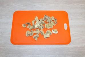 Салат из крабовых палочек с шампиньонами - фото шаг 7