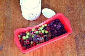 Компот из замороженных ягод - фото шаг 1