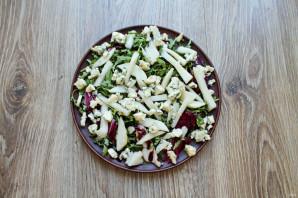 Салат с сыром с плесенью и грушей - фото шаг 4