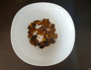Салат с грибами и яблоками - фото шаг 1