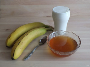 Банан с кефиром - фото шаг 1