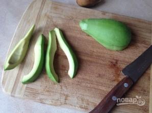 Авокадо во фритюре - фото шаг 1