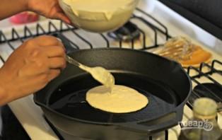 Оладьи с молоком - фото шаг 2