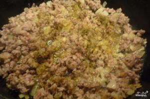 Тушеная капуста со свининой и картошкой - фото шаг 3