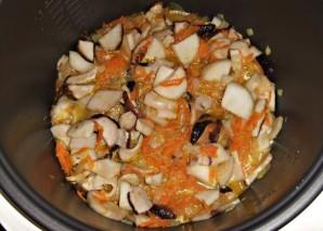 Суп из свежих белых грибов в мультиварке - фото шаг 6