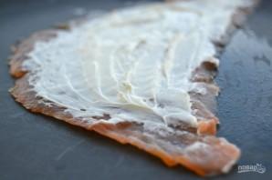 Рулет из лосося со сливочным сыром - фото шаг 3