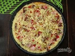 Простой рецепт пиццы без дрожжей - фото шаг 9