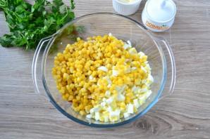 Салат с крабовыми палочками и ананасом - фото шаг 4