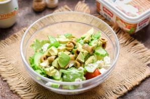Салат с авокадо и оливками - фото шаг 5