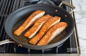 Быстрый жареный лосось - фото шаг 3